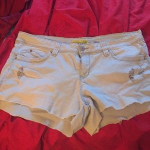 Ymi Jean shorts light color size 13